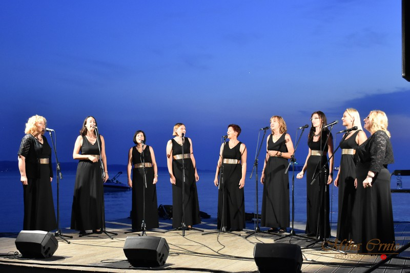 Pevski večer na plaži Valdoltra