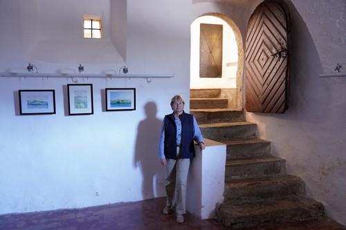 Na otvoritvi razstave Sande Lenac Vlašić v Radovljici